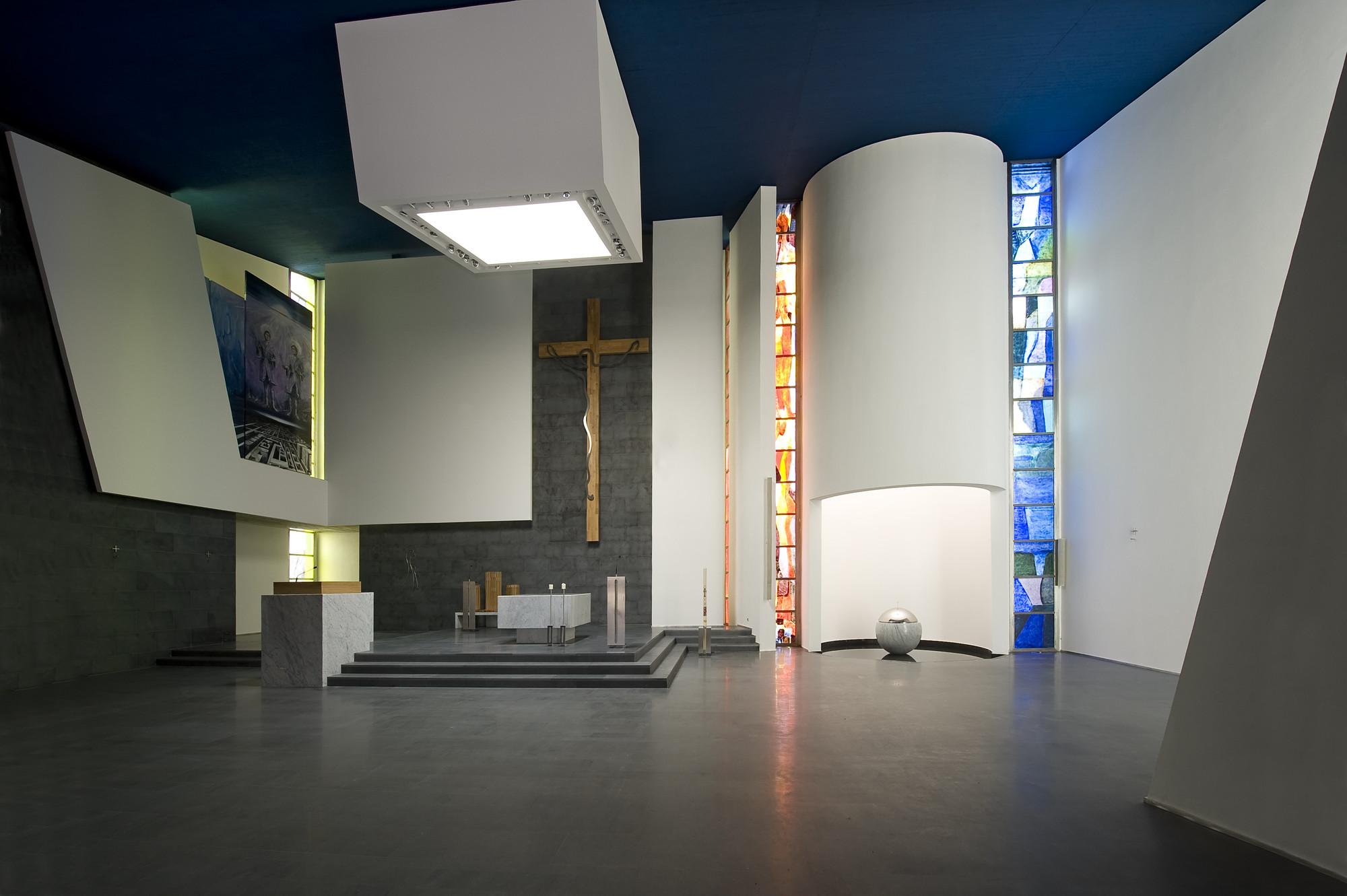 The Santi Cosma e Damiano Parochial Centre / SCAU, © Moreno Maggi