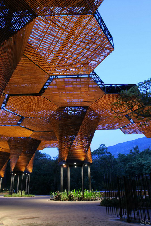 Selección Pola Mora: Orquideorama / Plan B Arquitectos + JPRCR Arquitectos. Image © Sergio Gómez