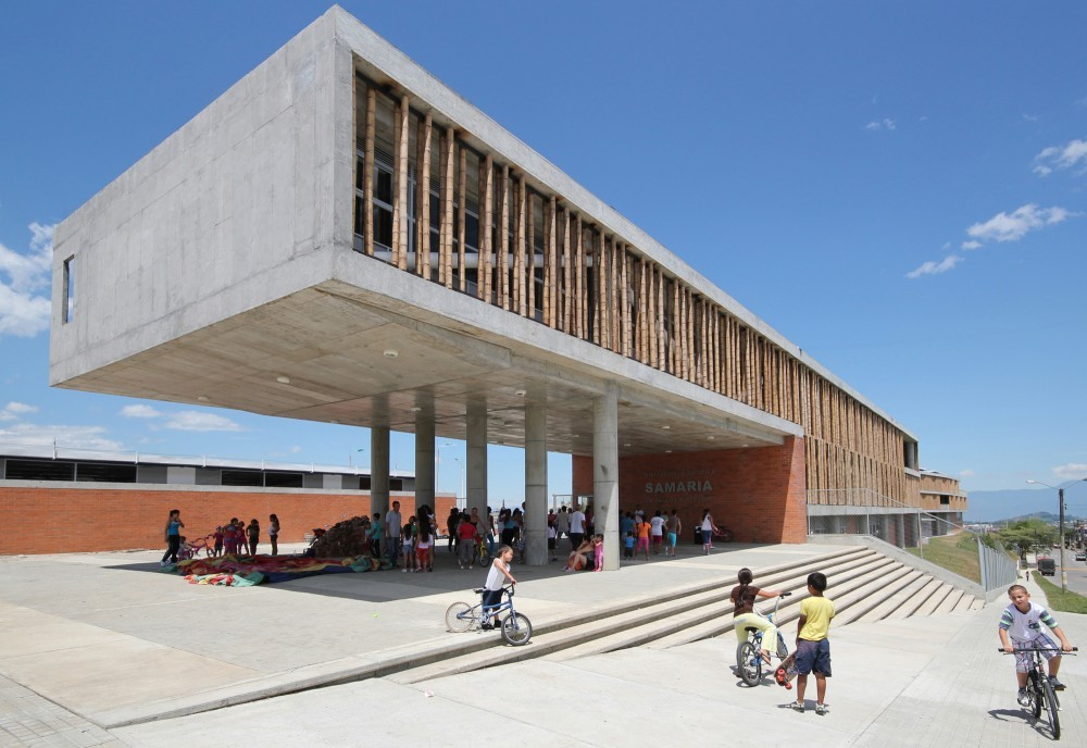 Selección Javiera González: Institucion Educativa La Samaria / Campuzano Arquitectos. Image Courtesy of Campuzano Arquitectos