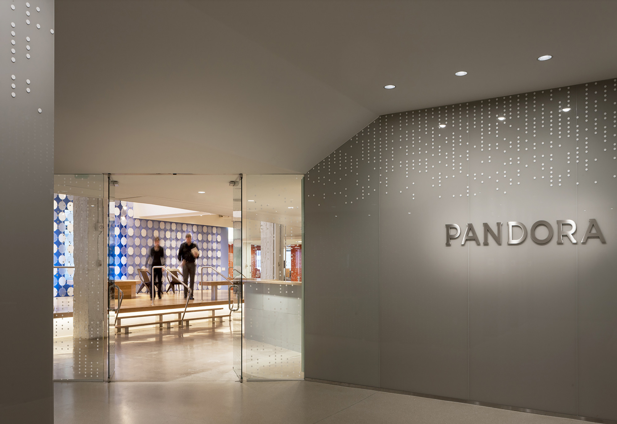 Pandora media inc new york office aba studio archdaily for Office interior design nyc