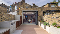 Concrete House / Studio Gil