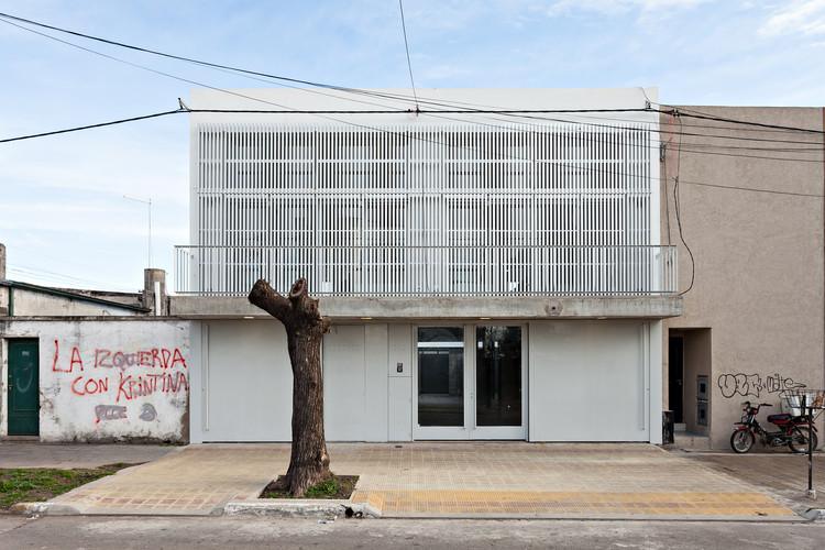 Viviendas Tolousse 4 viviendas con Patio / SMF Arquitectos, © Albano Garcia