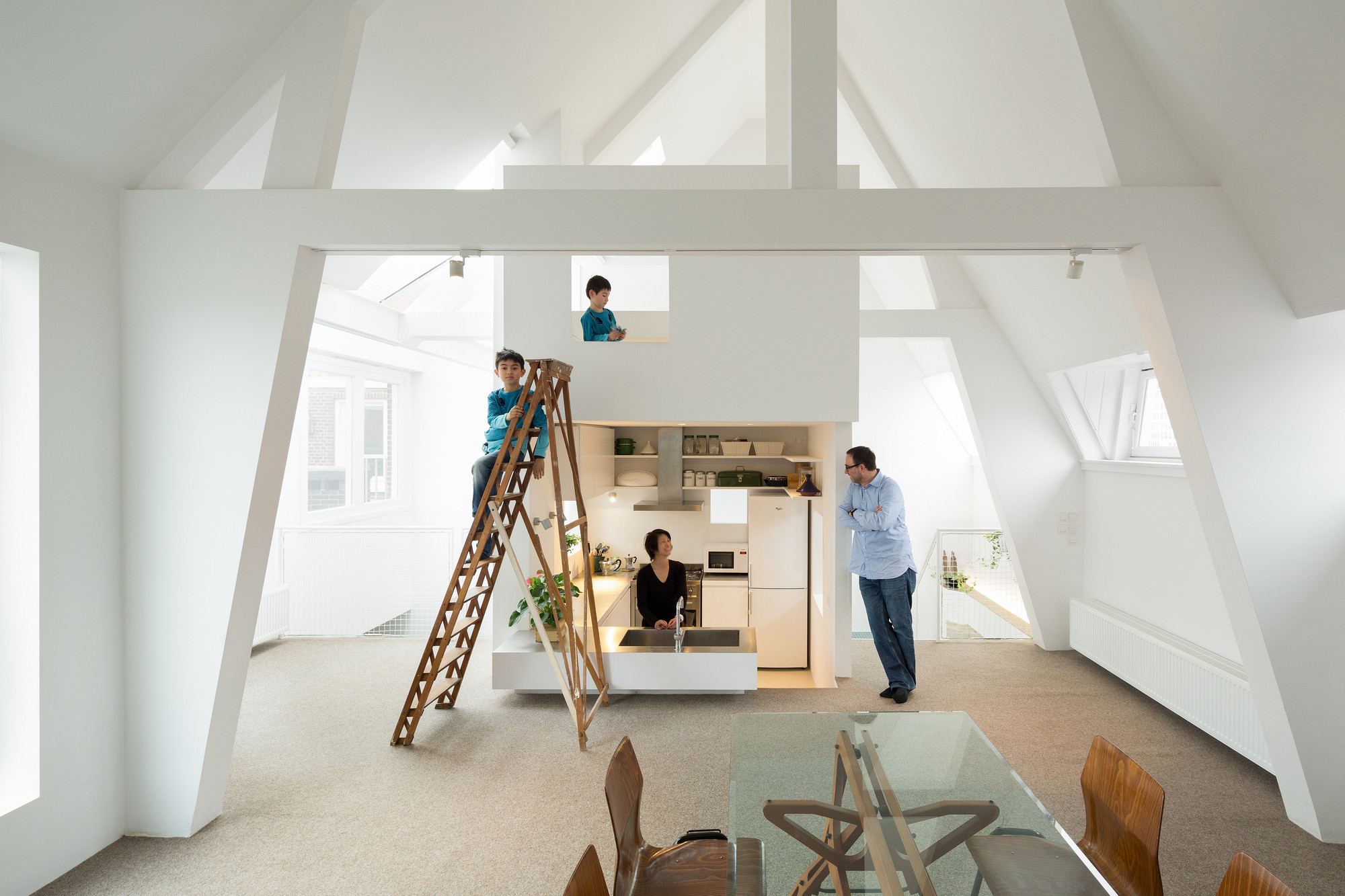 Departamento en Amsterdam / MAMM Design, © Takumi Ota
