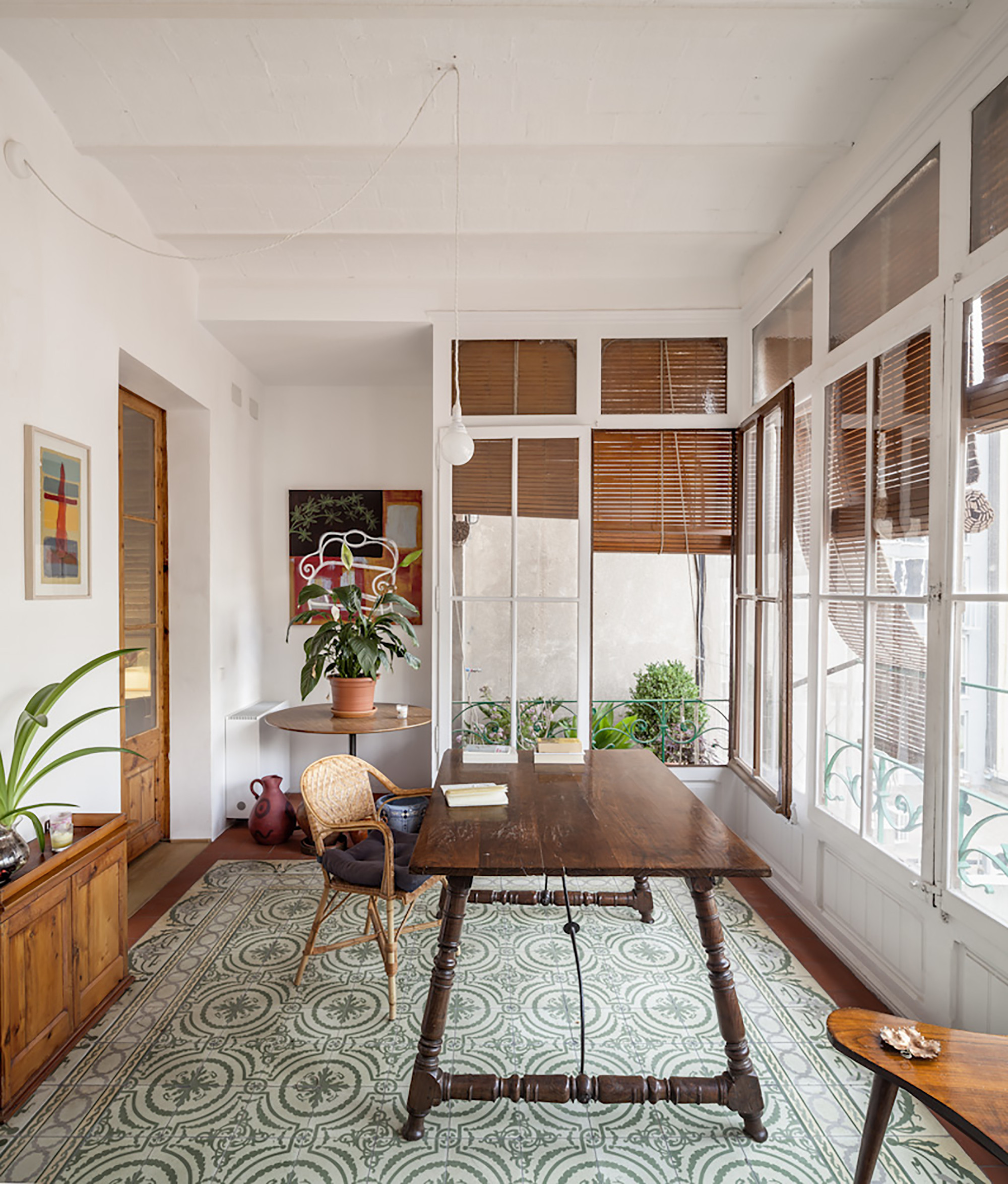 gallery of renovation of an apartment in eixample sergi