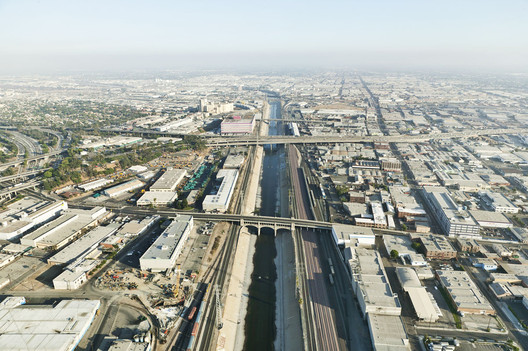 The industrial corridor of the Los Angeles River at the Seventh Street bridge in downtown L.A., as photographed by Lane Barden for his Linear City Portfolio. Image Courtesy of Lane Barden