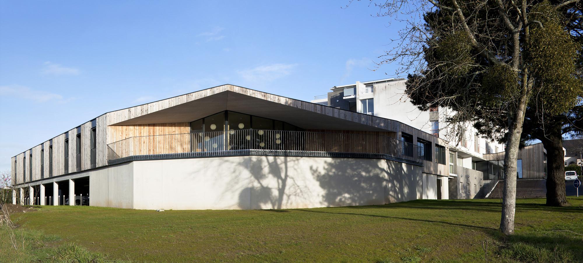"Alzheimer residence for the ""Foyer la Grange""  / Mabire Reich, © Sylvain Bonniol"
