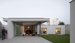 House in a Wall / Sérgio Koch