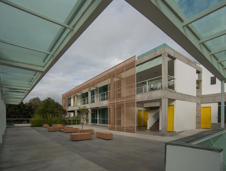 Instituto Metropolitano de Diseño  / Mauricio González González, © Gabriel González