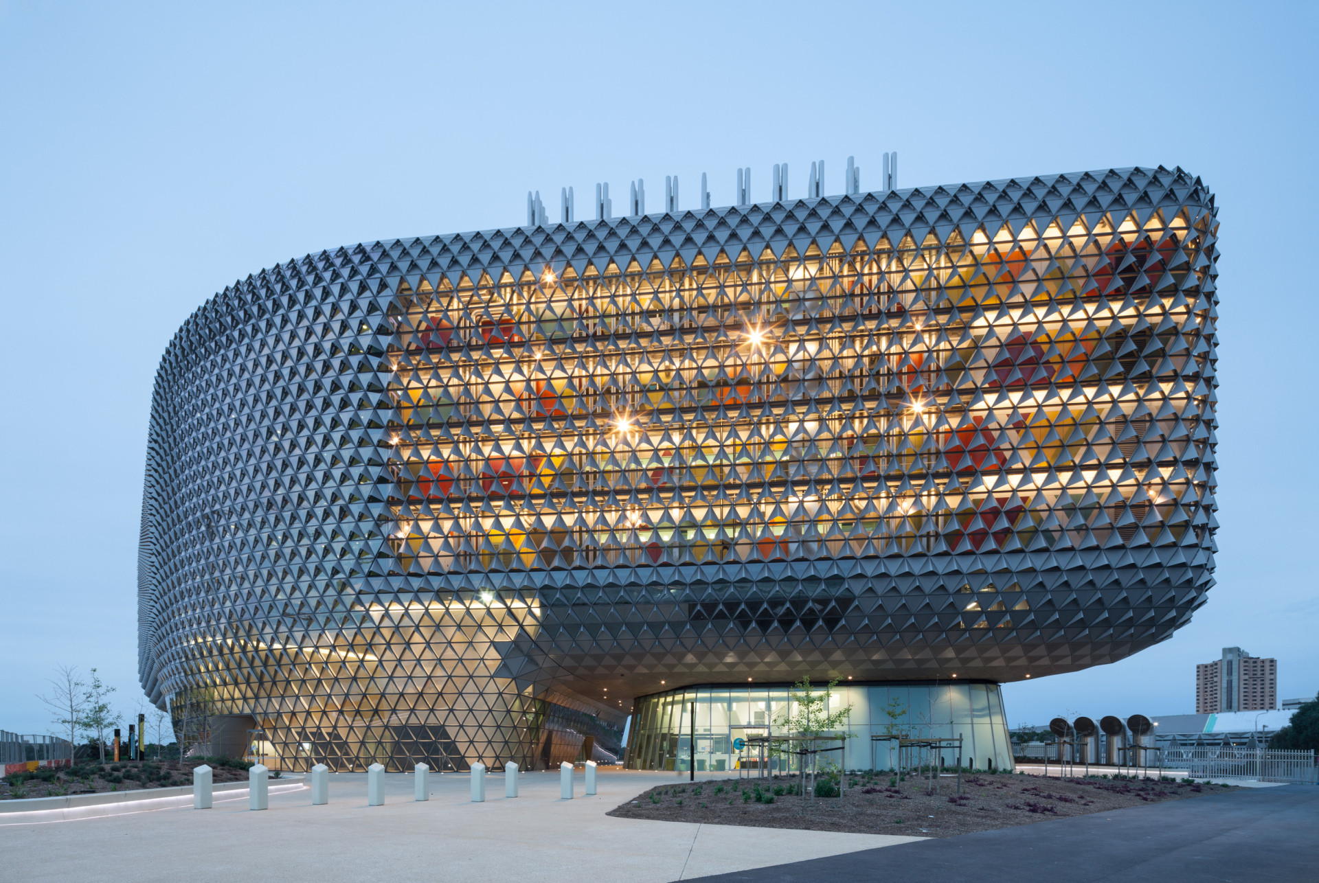 South Australian Health and Medical Research Institute / Woods Bagot, © Trevor Mein