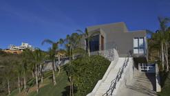 Vale dos Cristais Residence / Anastasia Arquitetos