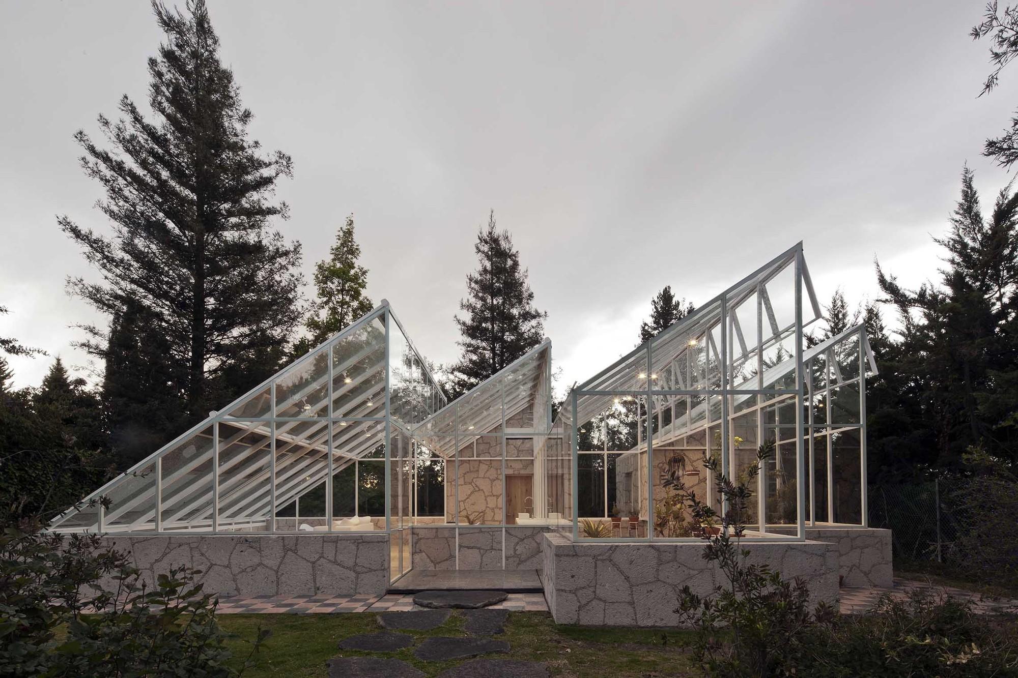 Conservatory / Lorenzo Alvarez Arquitectos, © Onnis Luque