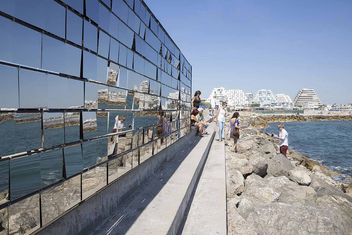 mirrored seafront pavilion among seven installations at festival des architectures vives archdaily. Black Bedroom Furniture Sets. Home Design Ideas