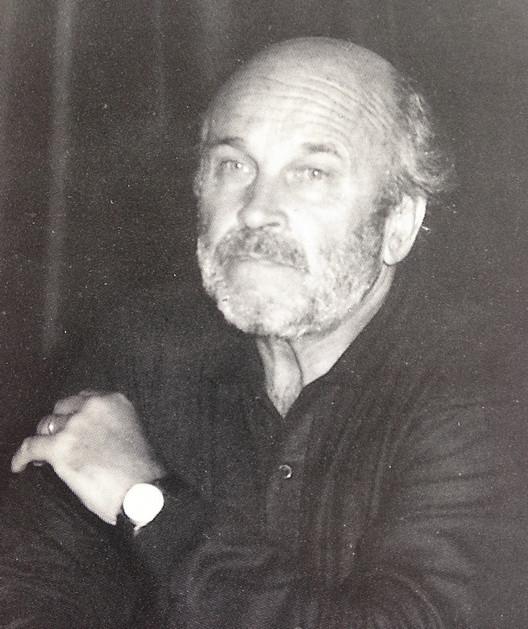 Víctor Gubbins, Presidente de los períodos 1982/83 y 1984/85 constituyó una figura clave en la nueva etapa del CA vuelto Asociación Gremial por imposición del gobierno autoritario. Revista CA No. 68 (abril, mayo, junio 1992)