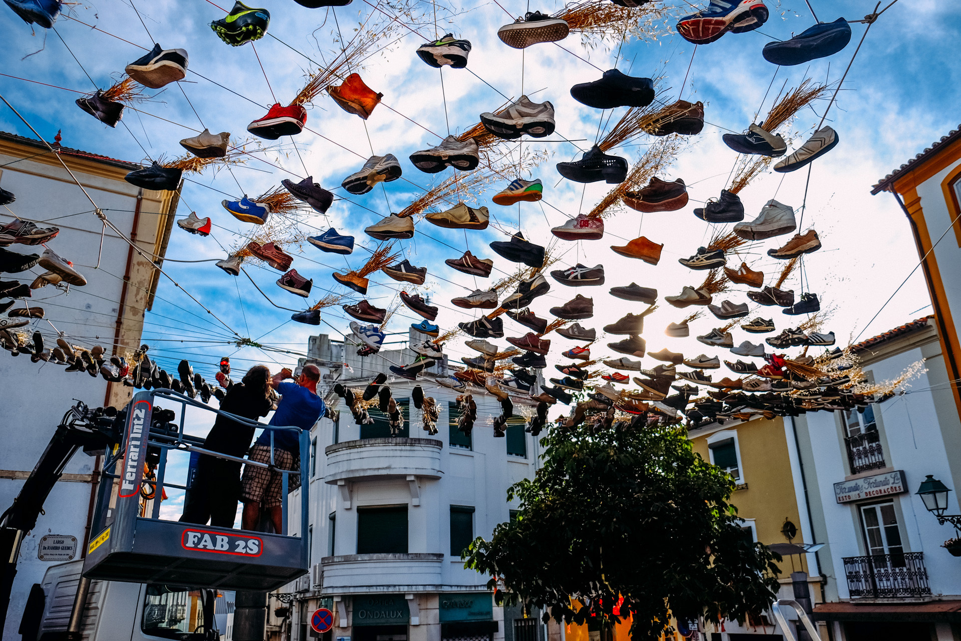 "Urban Intervention Winners Built in Abrantes, Portugal for Canal 180's Creative Camp, ""The 12 Thousand Pairs of Shoes From Abrantes"" by Victor Lledó Garcia, Juan José Pérez Moncho and Mateo Fernández-Muro. Image Courtesy of Canal 180"