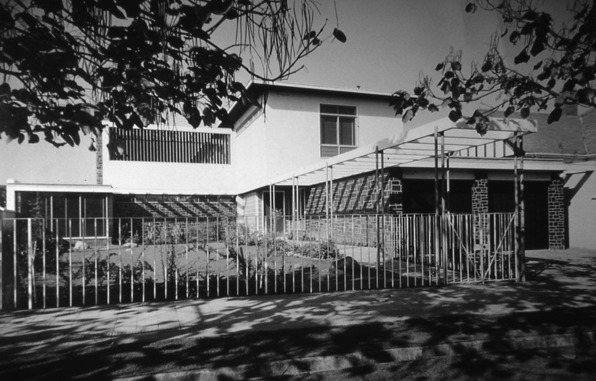 © Cortesía de Movimiento Moderno Olvidado, 50 viviendas en Santiago de Chile 1940-1970