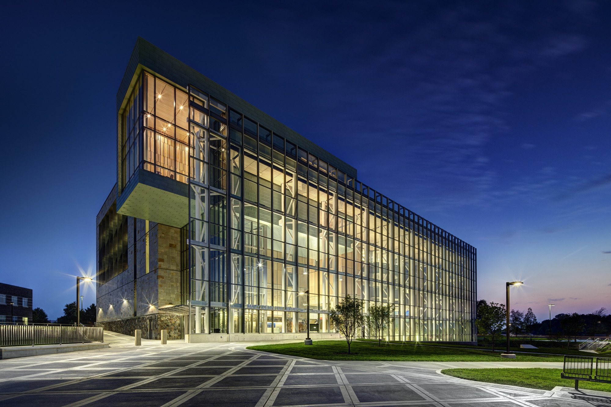 Gvsu Pew Library Stantec Archdaily