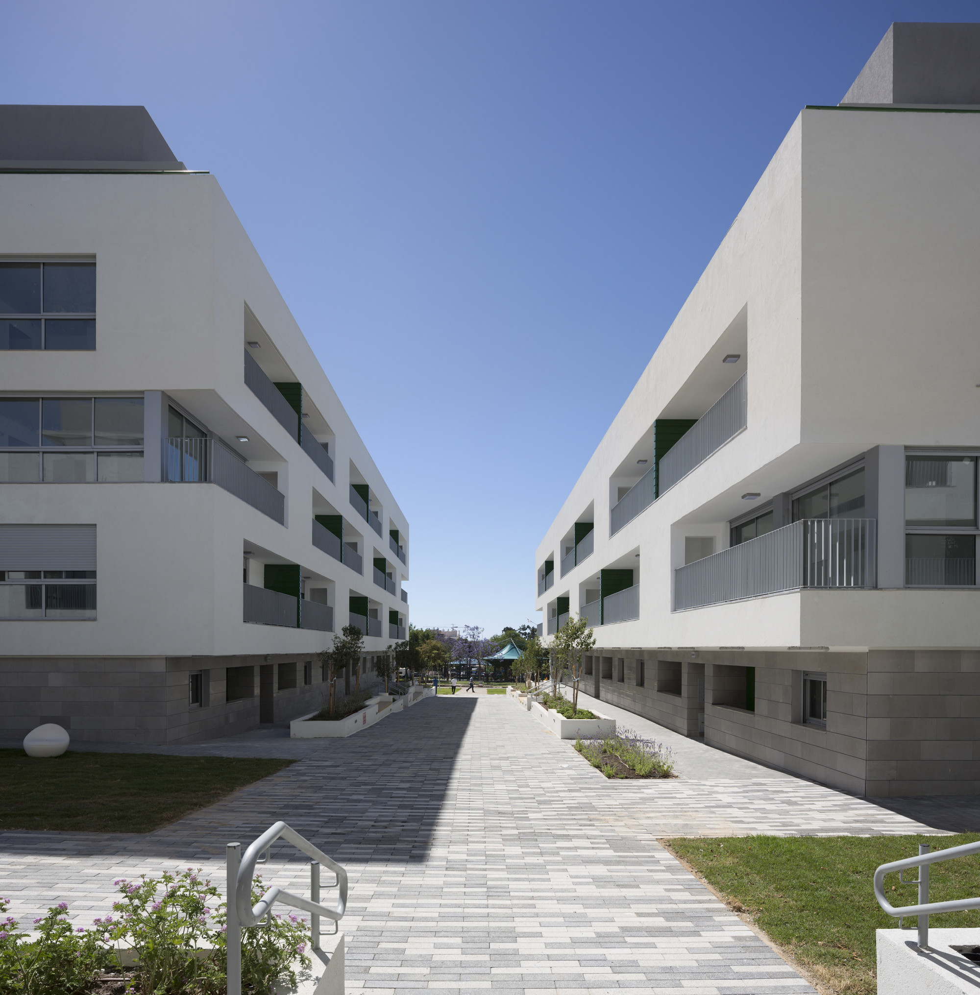 Housing For Cheap: Ganei Shapira Affordable Housing / Orit Muhlbauer Eyal