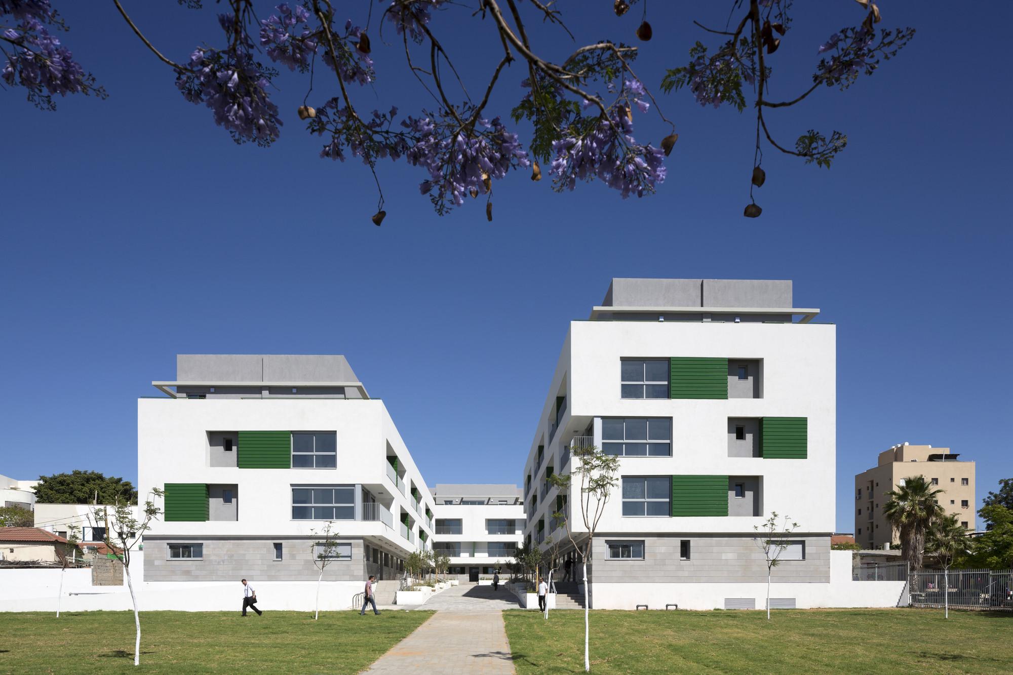 Ganei Shapira Affordable Housing / Orit Muhlbauer Eyal Architects, © Shai Epstein