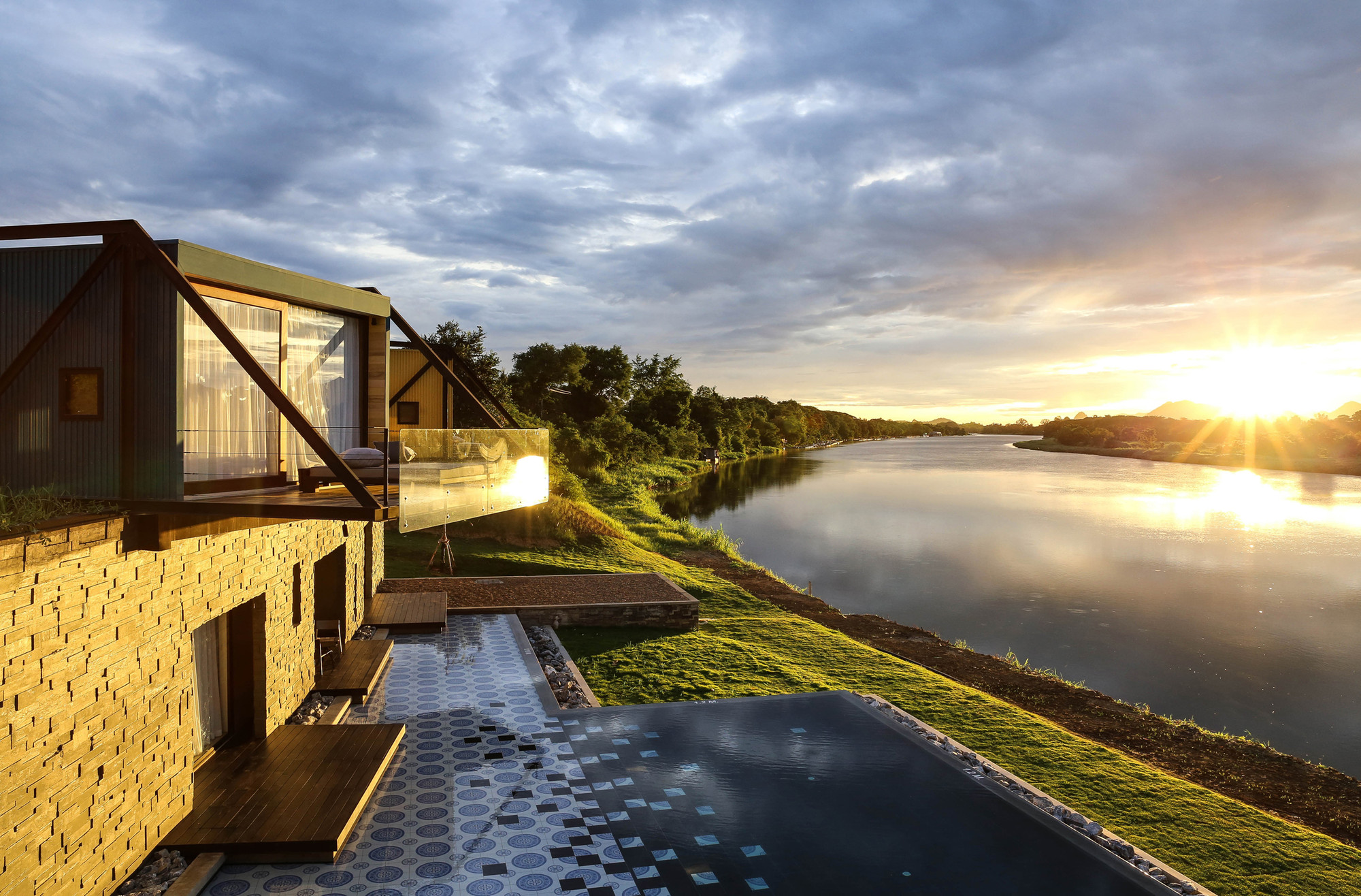 X2 River Kwai / agaligo studio, Courtesy of agaligo studio