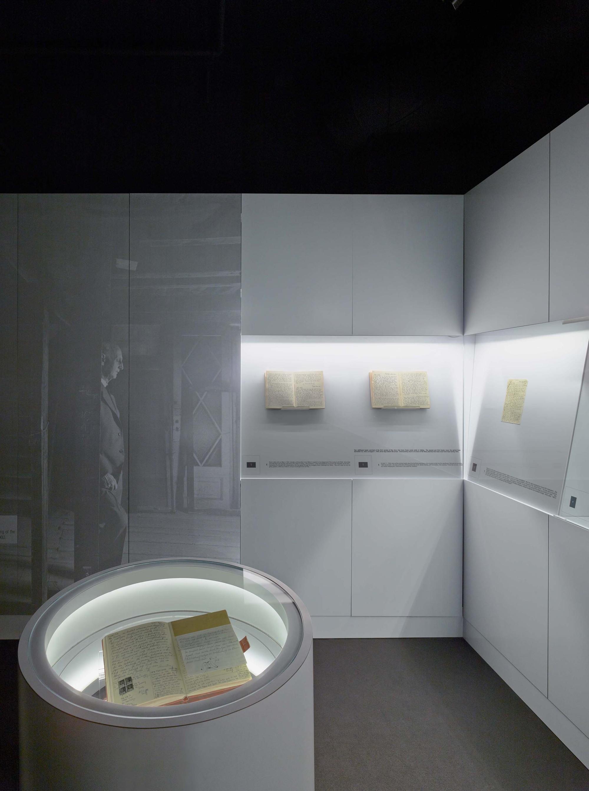 gallery of museum of tolerance anne frank exhibit yazdani zoom image view original size