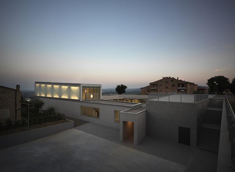 """Escuela Primaria """"La Ballena""""  / Studio di Architettura Andrea Milani, © Pietro Savorelli"""