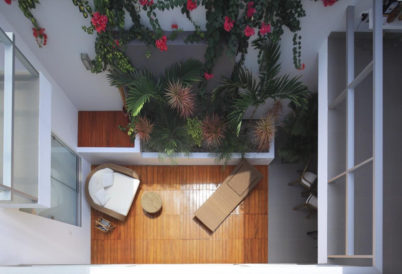 Gallery of flower house g mez de la torre guerrero - Decorar patio interior piso ...