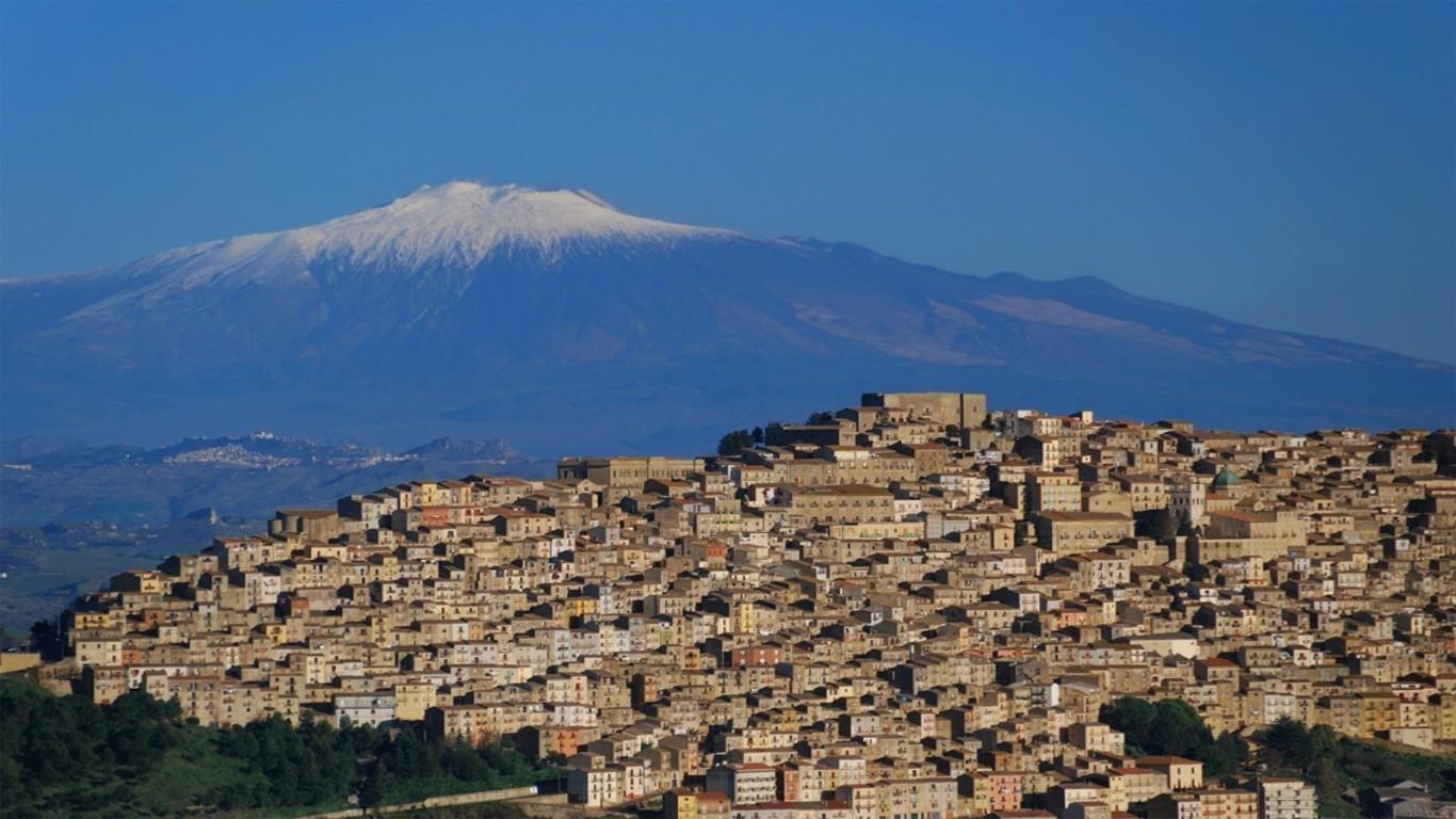 20 viviendas italianas a un Euro (y dos condiciones), Gangi, Italia. Image © Hqscreen
