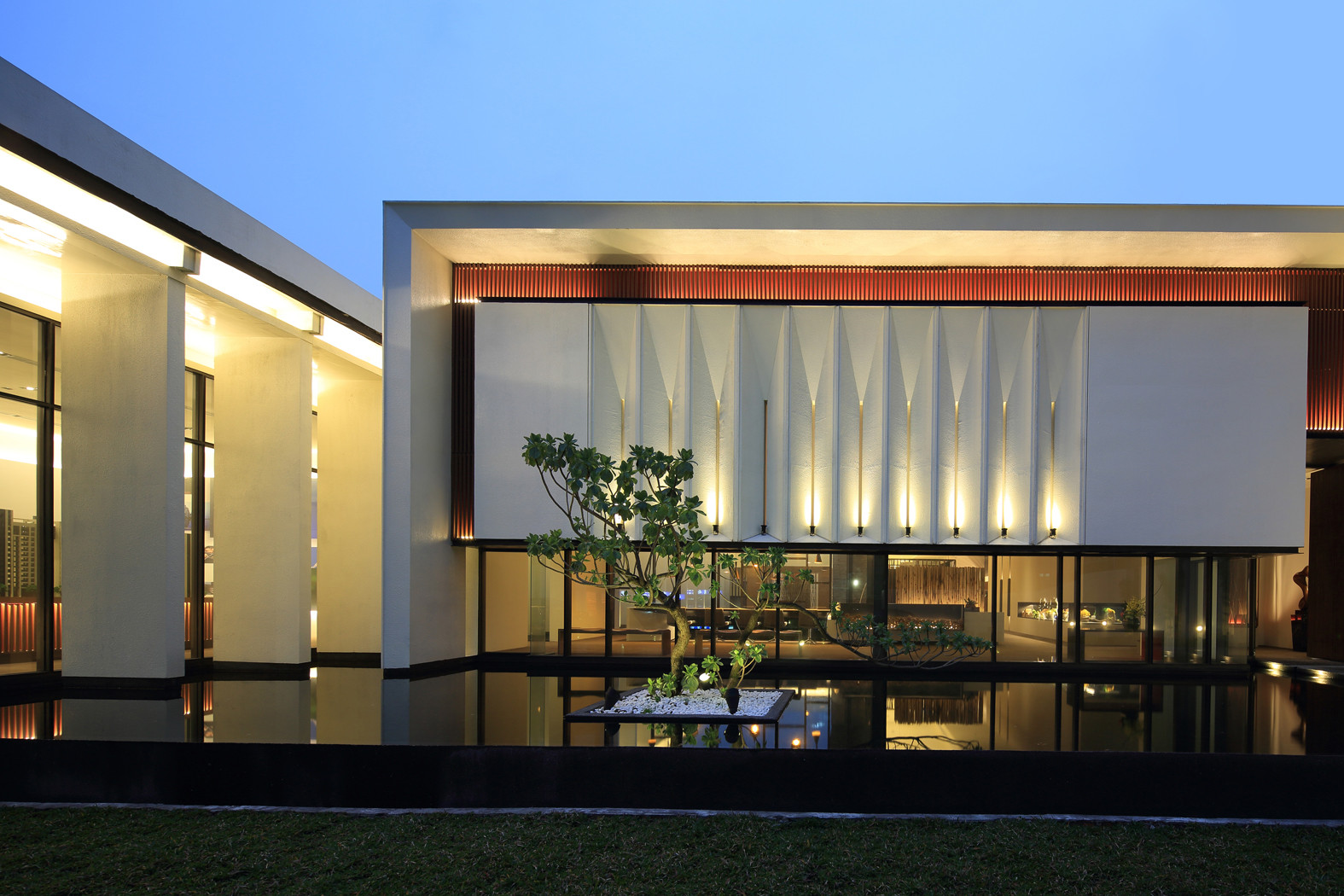 Gallery of exquisite minimalist arcadian architecture for Architecture exterior design