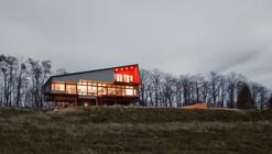 Montagnaro House / Mapos