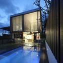 105 V House / Shaun Lockyer Architects. Image © Scott Burrows