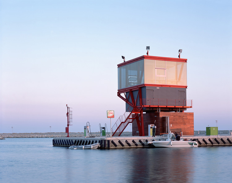 Torre de Control del Puerto /  Maria Giuseppina Grasso Cannizzo, © Hélène Binet