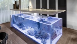 Island with a View: Dutch Kitchen Incorporates Elegant Aquarium