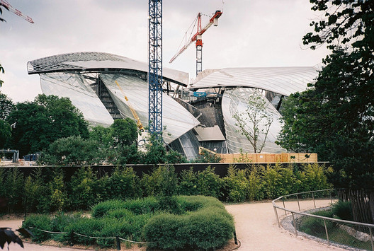 The Fondation Louis Vuitton in the Bois de Boulogne is set to open this fall. Image © victortsu via Flickr
