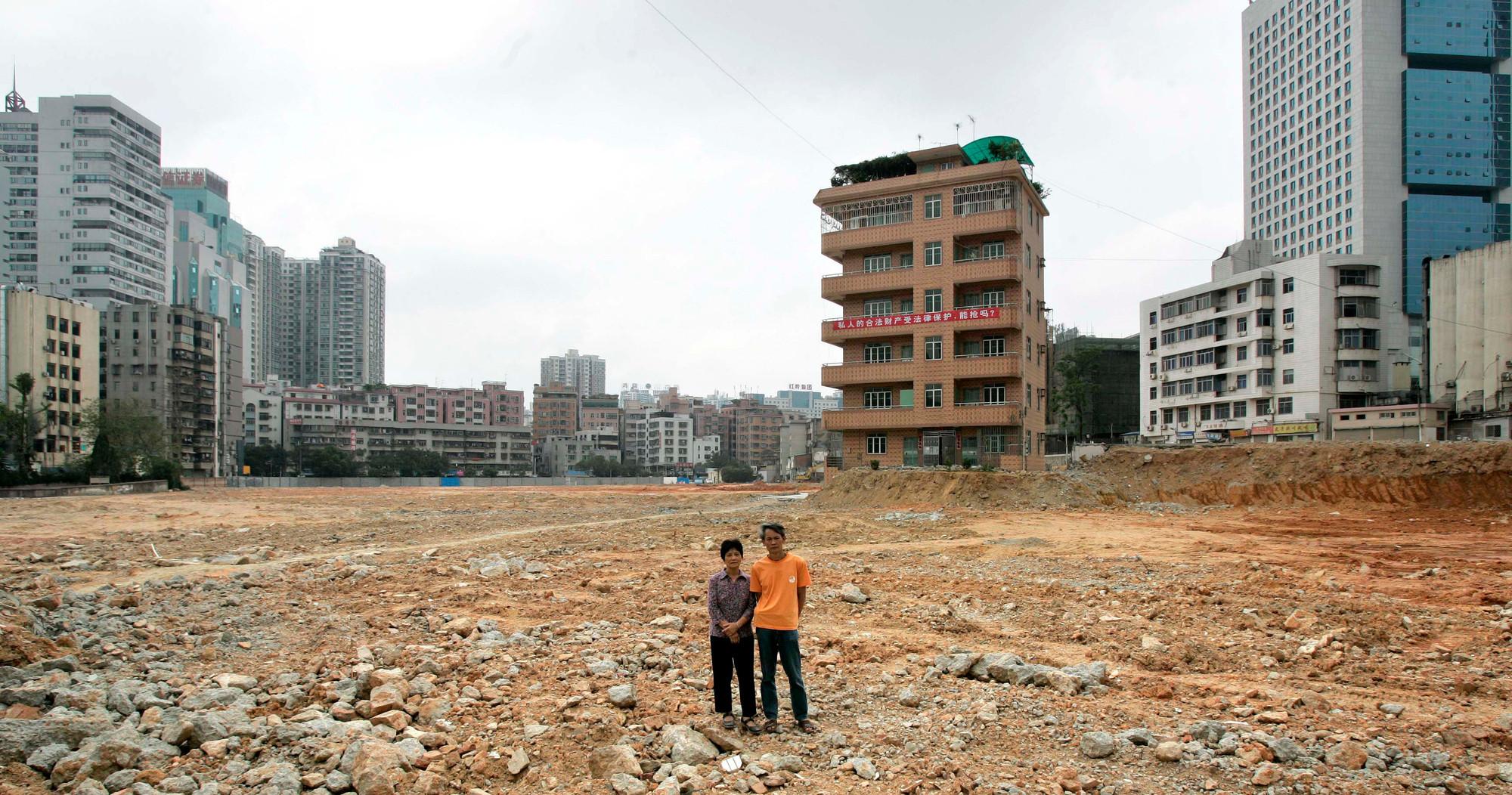Una pareja rechazó la oferta para adquirir su vivienda en Shenzen.. Image © Vía Quartz