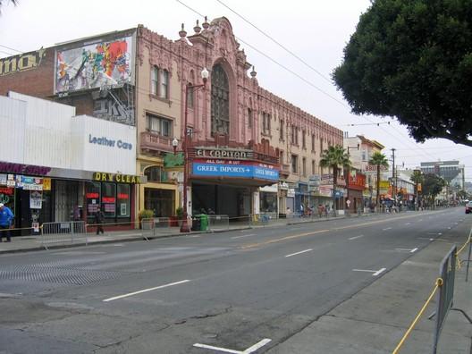 San Francisco's Mission Street. Photo via Wikimedia Commons user Urban