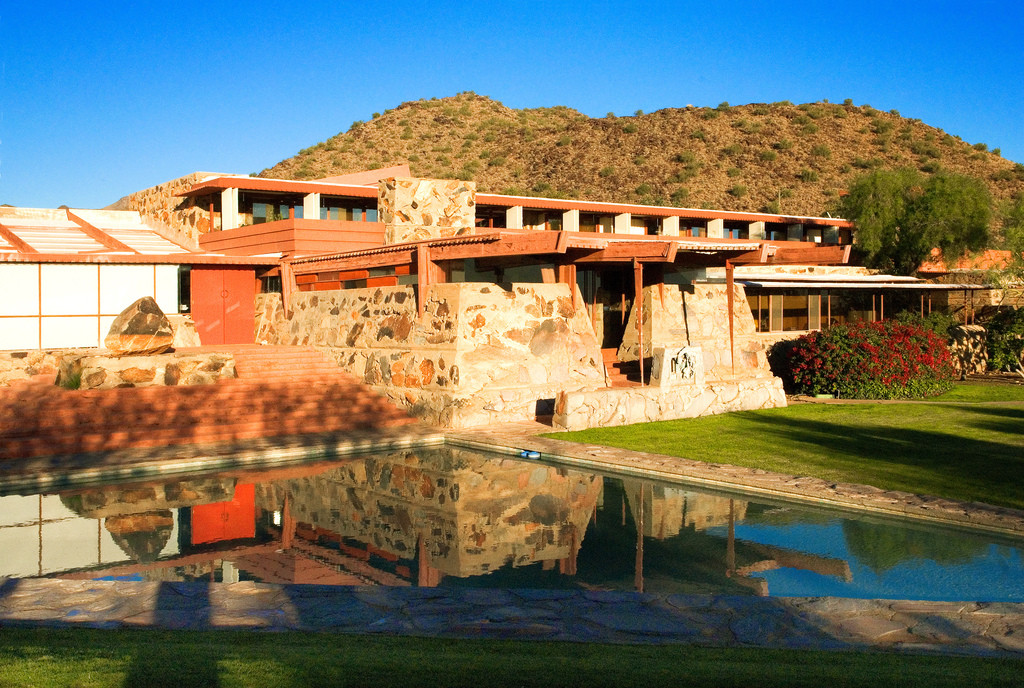 Frank Lloyd Wright School Facing Loss of Accreditation, The Frank Lloyd Wright School of Architecture's Main Campus at Taliesin West. Image © Flickr User: lumierefl