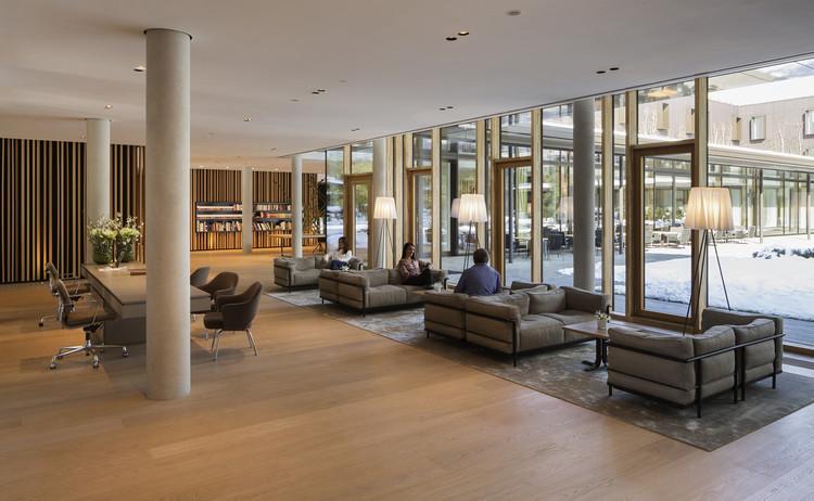 Ingenhoven Architects / Photos: H.G. Esch, Hennef