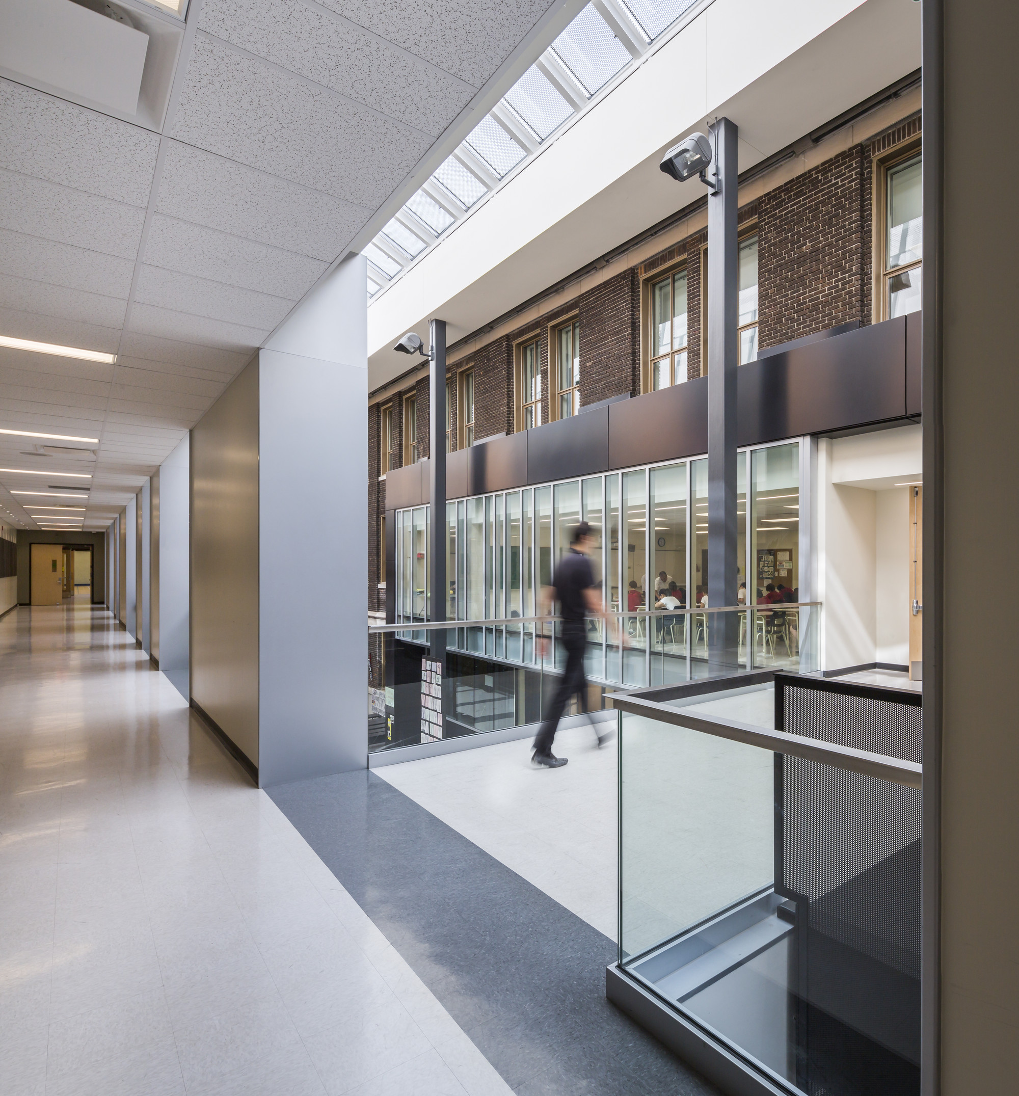 Gallery of coll ge saint louis marosi troy architectes for Ecole architecture interieur