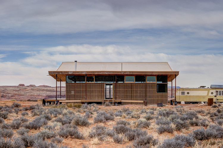 Residencia Skow / Colorado Building Workshop + DesignBuildBLUFF, © Jesse Kuroiwa