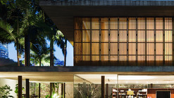 Toblerone House / Studio MK27 - Marcio Kogan + Diana Radomysler