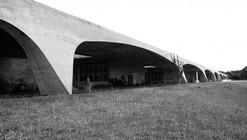 Clássicos da Arquitetura: Escola de Administração Fazendária / Pedro Paulo de Melo Saraiva