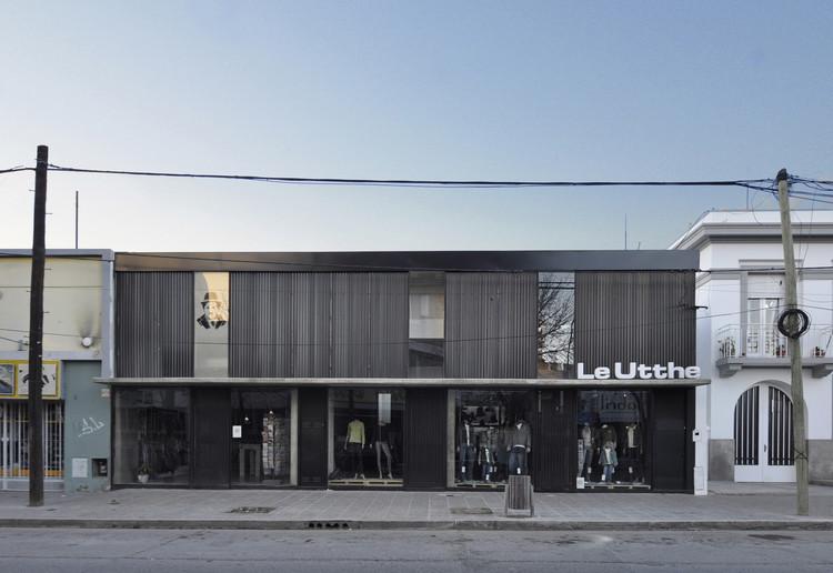 Locales Roca / BBC Arquitectos + Sol Loustaunau. , © Manuel Ciarlotti