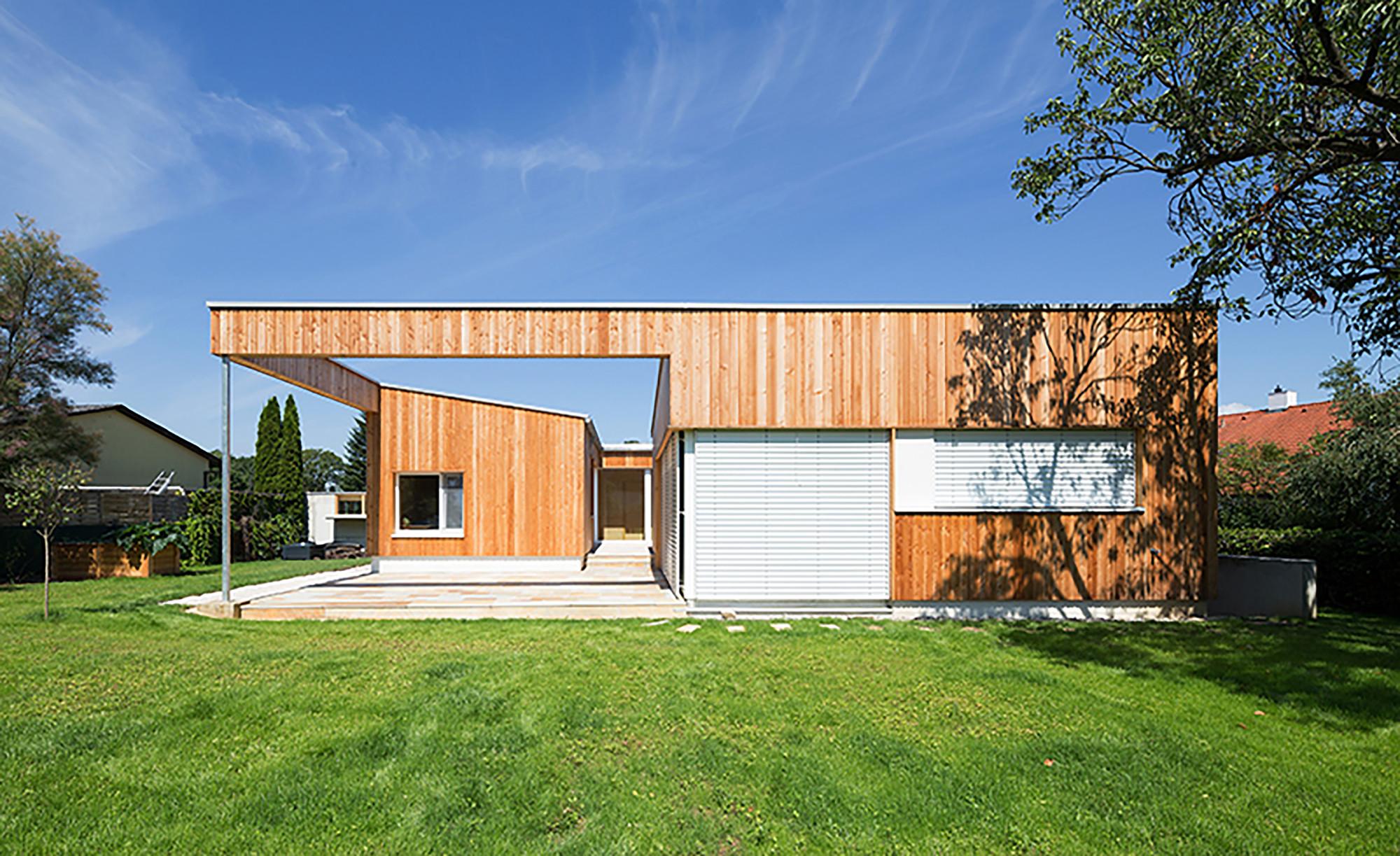 Residential Building DMT / [tp3] architekten, © Mark Sengstbratl