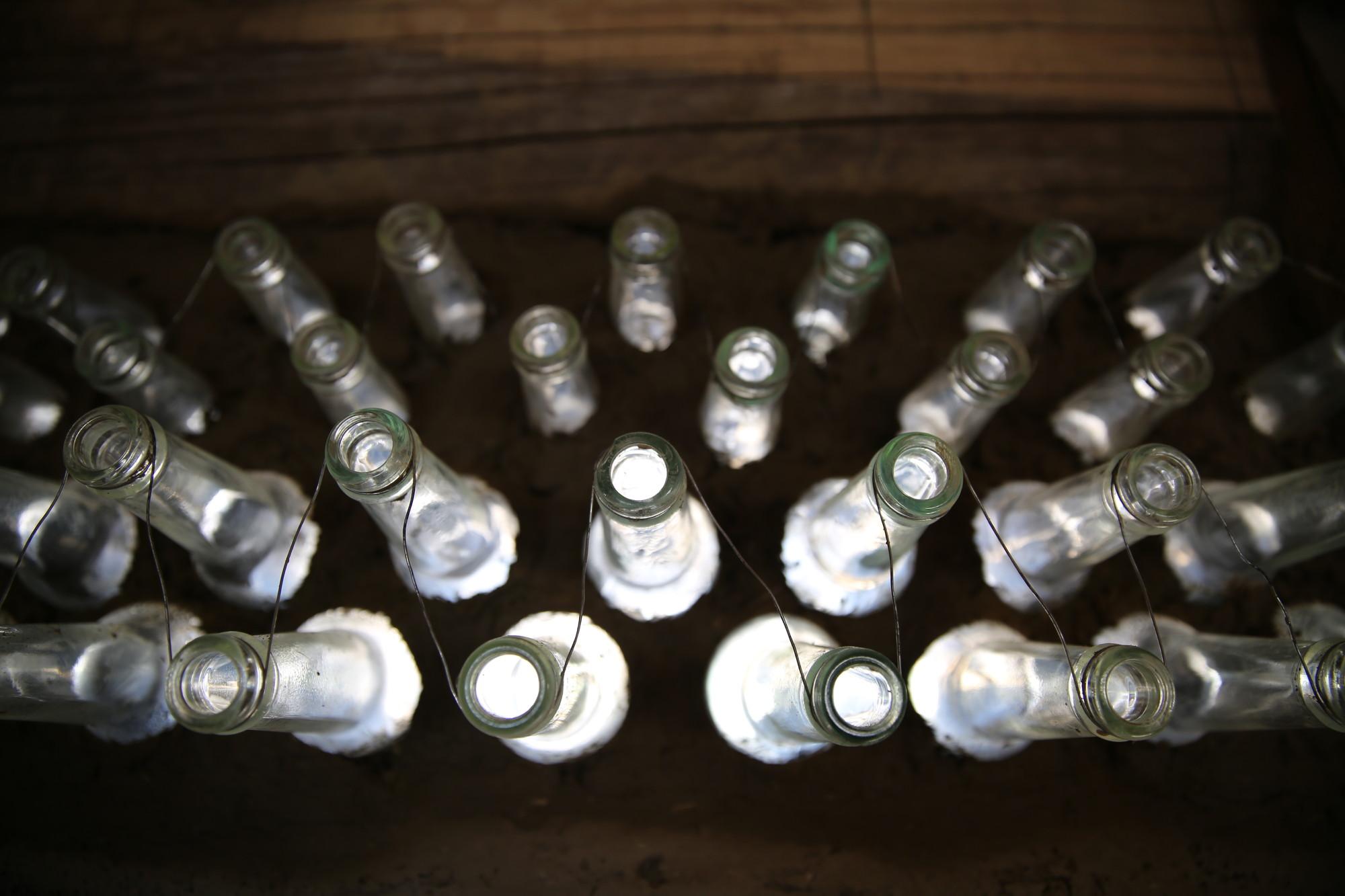 En Detalle: experiencia de construcción con Botellas de Vidrio, Courtesy of Preserve Langmusi