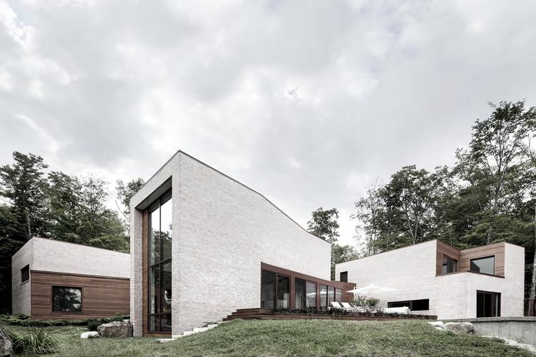 Vivienda en Les Elfes / Alain Carle Architecte, © Adrien Williams