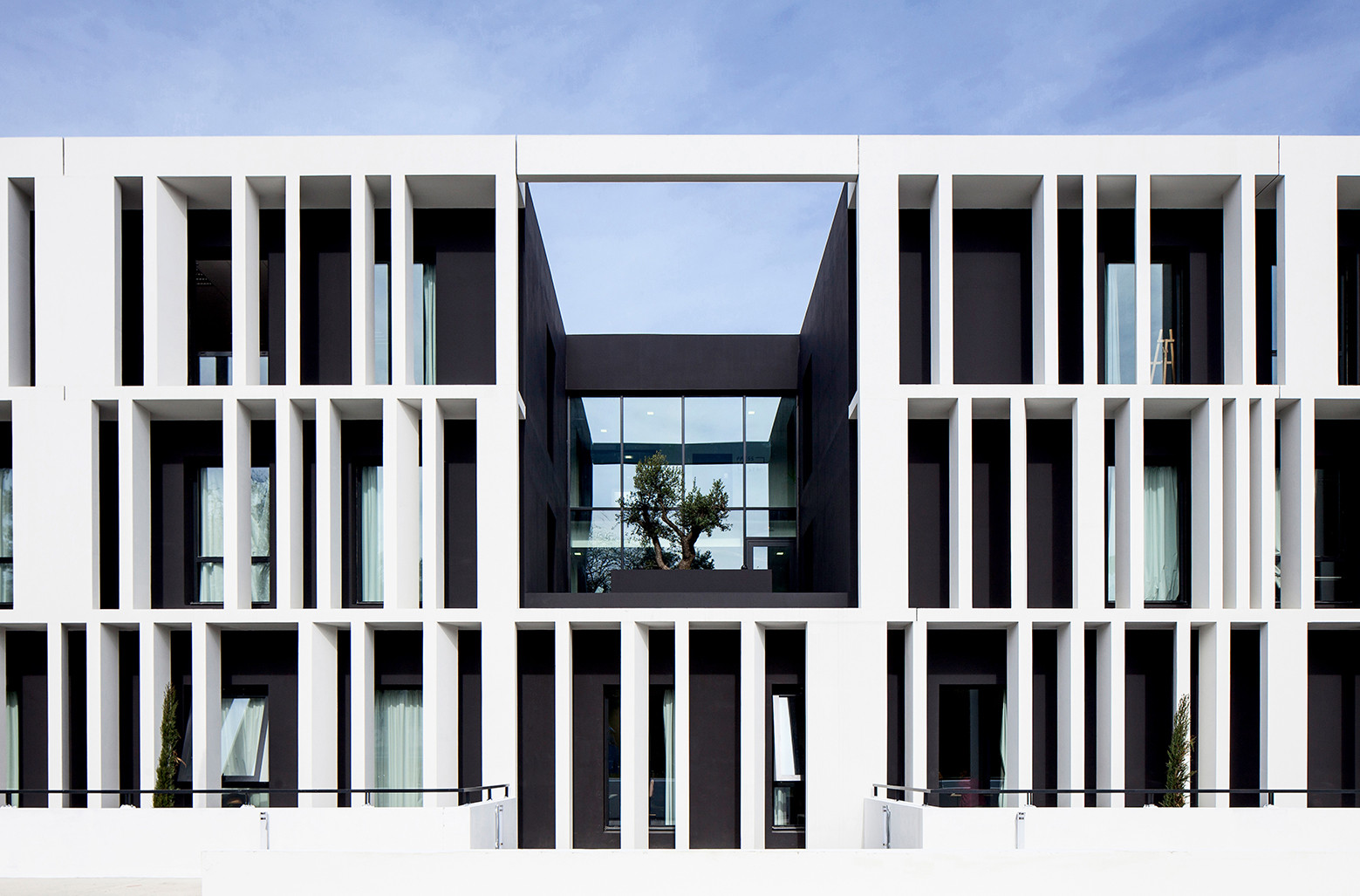 Academia de Arte (ESMA) / LCR Architectes, © Mathieu Ducros