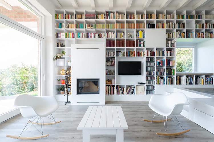 La larga casa de ladrillo  / Foldes Architects, © Levente Sirokai