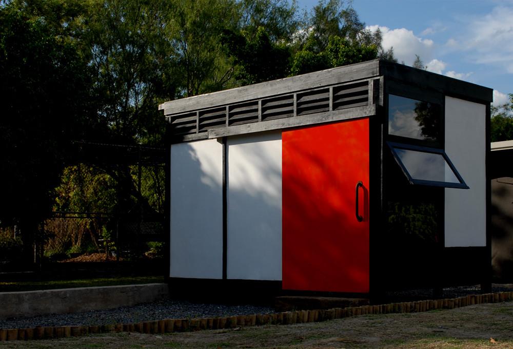 """Proyecto """"Módulo 10x10"""" reutiliza la fibra de vidrio para levantar prototipo de vivienda sostenible, © Ana Cecilia Garza Villarreal"""
