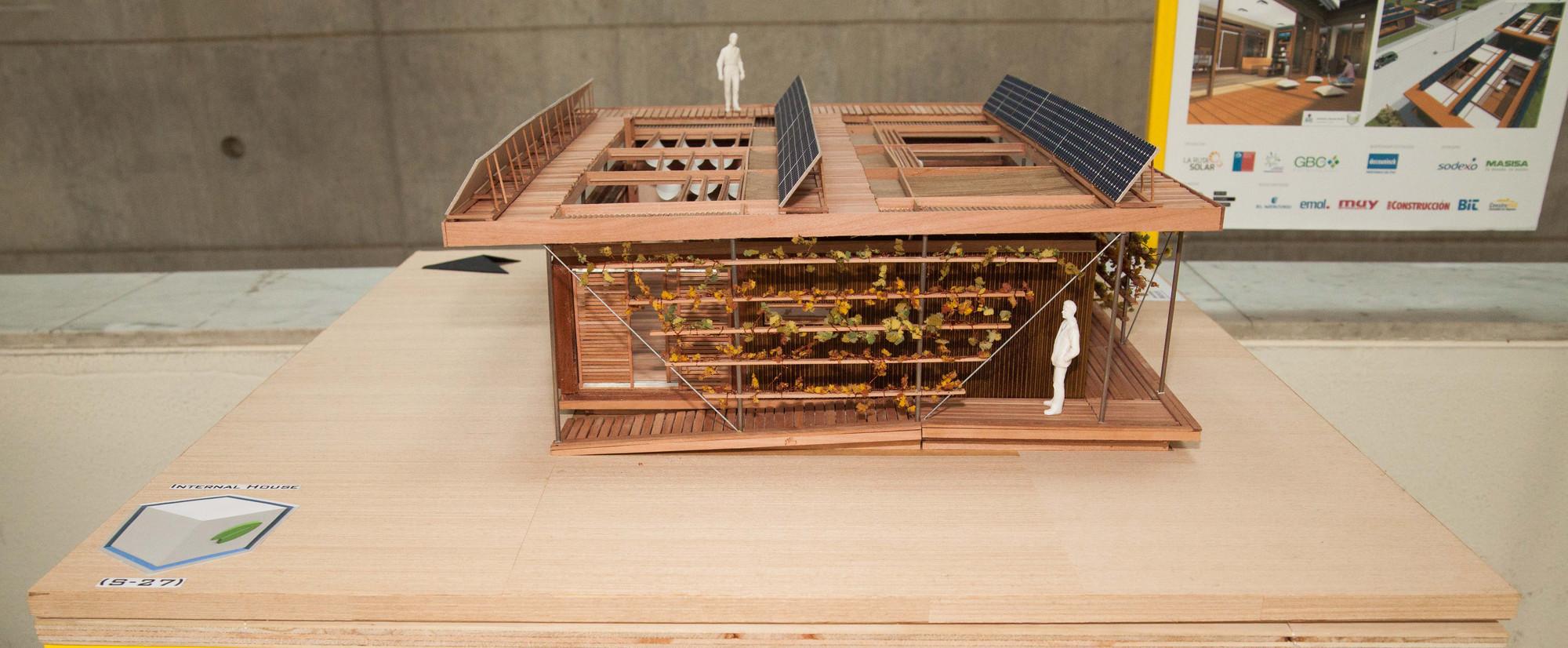 Internal House (S27). Universidad Mayor. Image Cortesia de Construye Solar