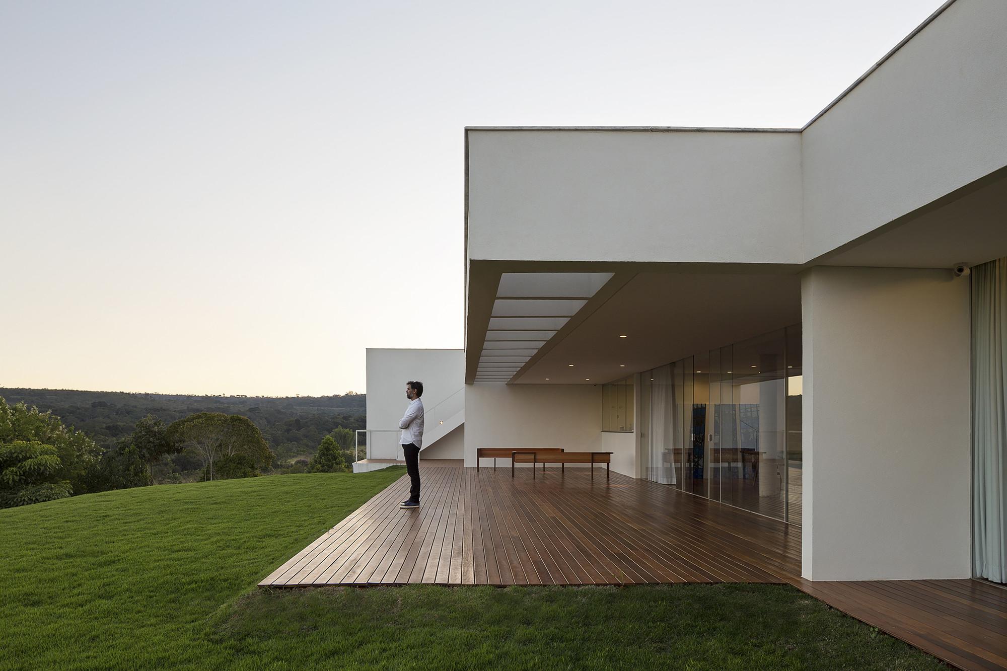Galeria de casa torre o bloco arquitetos 19 - Orologi da casa moderni ...